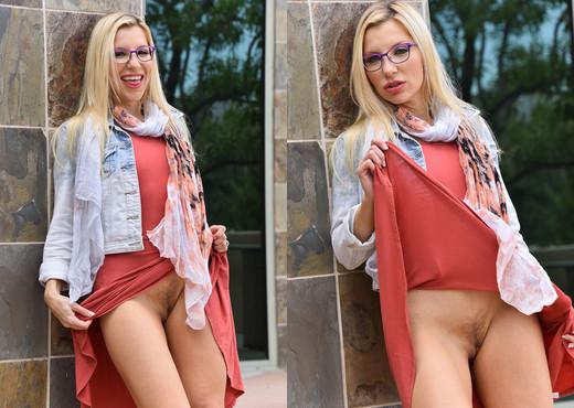 Ashley - Sexy Spectacle - FTV Milfs - MILF HD Gallery