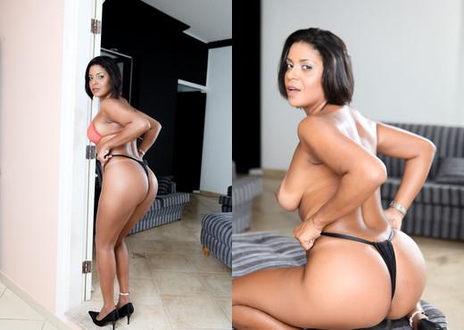 Ana Luz - Curvy Asses #03 - Anal Sexy Gallery