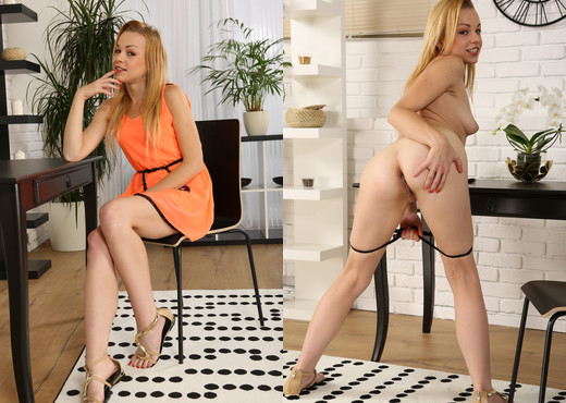 Rebeca Smile toys her pussy with beaded dildo - Toys Image Gallery