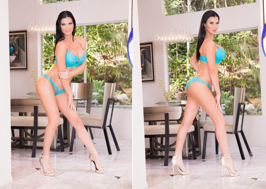 Jasmine Jae Gets Split Open By Prince & Ricco - Interracial Sexy Photo Gallery
