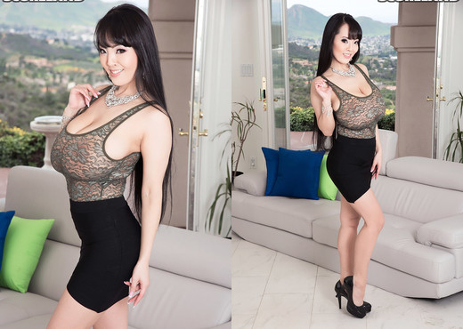 Hitomi's Guide To Bras - ScoreLand - Boobs Picture Gallery
