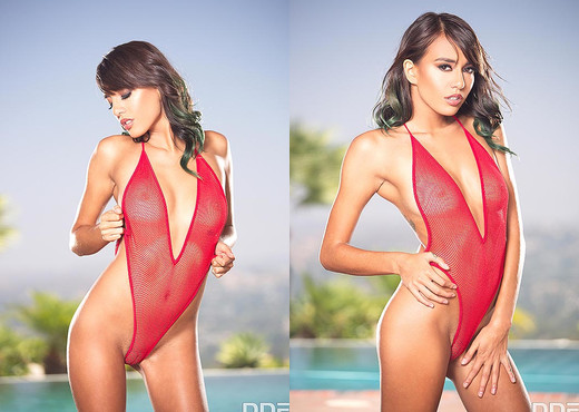 Janice Griffith - Slick and Deep - Solo Picture Gallery