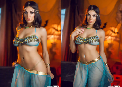 Darcie Dolce Is a Sultry Belly Dancer Who Rocks Your World - Solo Nude Pics