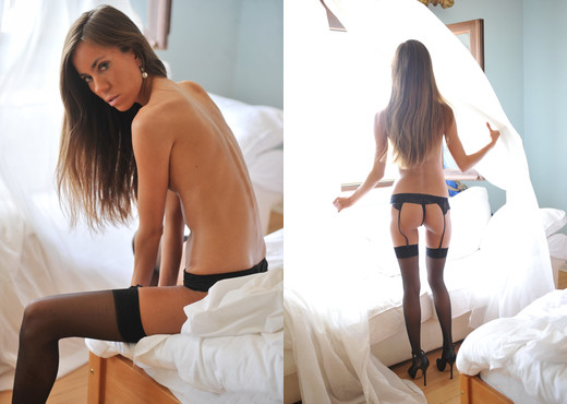 Carin - ...And So To Bed - BreathTakers - Solo Hot Gallery
