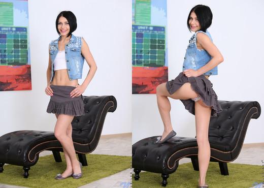 Gabriella Ross - Dripping Wet - Nubiles - Teen Sexy Photo Gallery