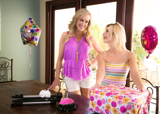 Brandi Love, Bella Rose - Picture Perfection - Lesbian Nude Gallery