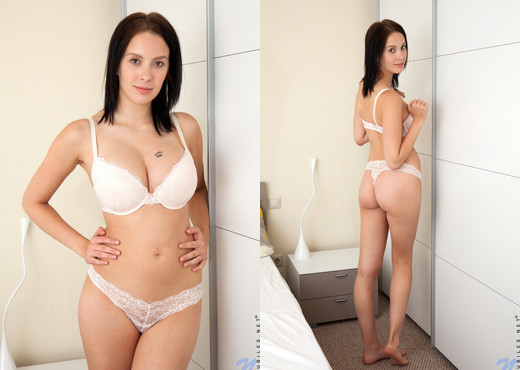 Agatha - Full Natural Tits - Nubiles - Teen Nude Gallery