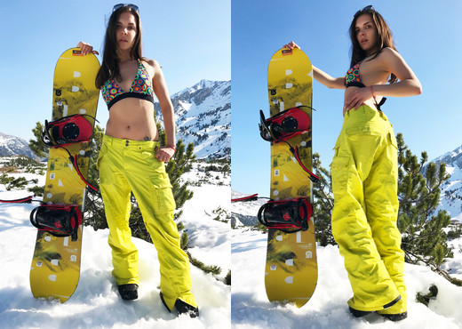 Henessy - Sexy and hot in the cold mountains! - Solo Sexy Photo Gallery