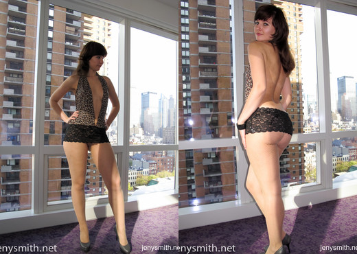 Jeny Smith fishnets pantyhose at hotel - Solo Image Gallery
