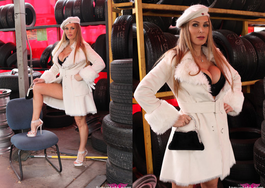 Tanya Tate Foot Fetish Photoshoot Outdoors in Garage - MILF Nude Gallery