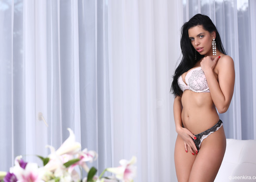 Kira Queen - ready to play - Solo Porn Gallery