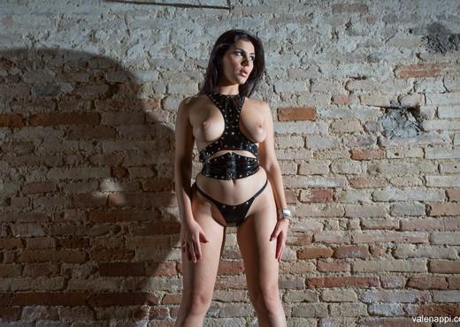 Valentina Nappi - Restraint - Hardcore Porn Gallery