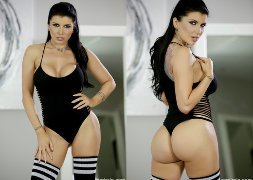 Romi Rain - Sporty with a lot of Spice - Solo Nude Pics