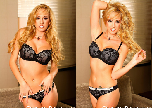Brett Rossi knuckle deep in her pussy - Solo Image Gallery