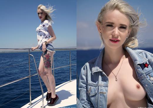 Arteya - on a boat - Solo Nude Gallery