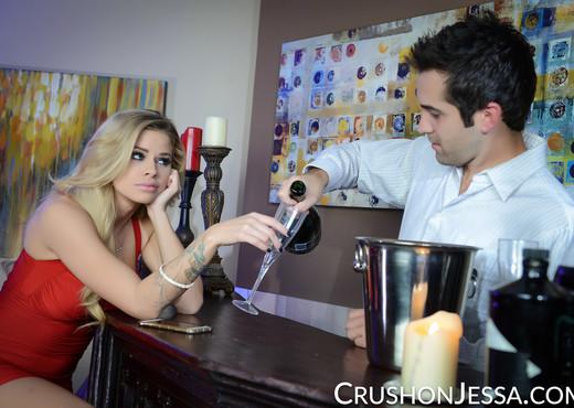 Jessa Rhodes Bangs The Bartender - Hardcore Nude Pics