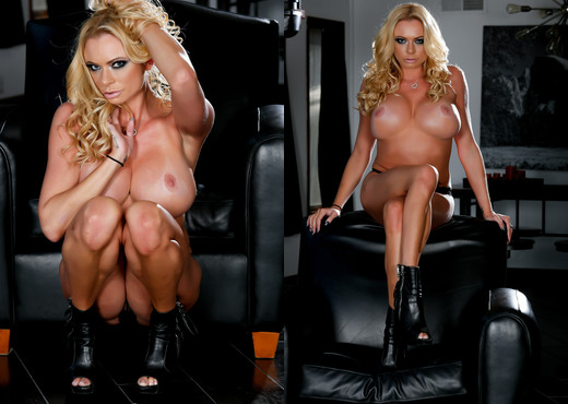 Briana Banks Looking Hot In Black - MILF Nude Gallery