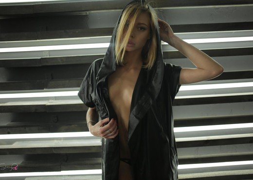 B-SkyQ - StasyQ 168 - Solo Nude Pics