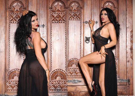 Romi Rain - Lady or Vamp? - Solo Sexy Photo Gallery