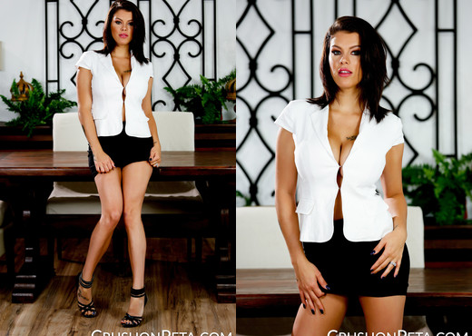 Peta Jensen Strips Down On The Table - Solo Nude Pics
