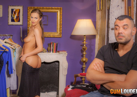 Tina Kay - The security guard and the model - CumLouder - Hardcore Porn Gallery