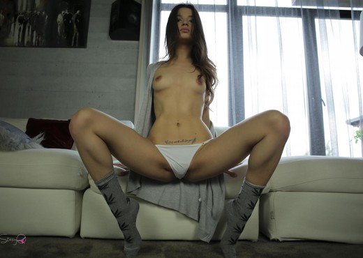 KarpyQ - StasyQ 160 - Solo Nude Pics