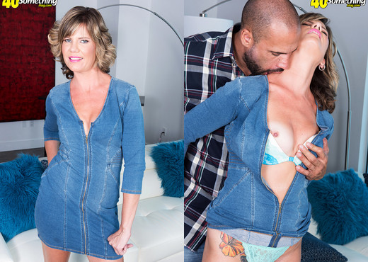 Hannah Grace - Hannah's first time - 40 Something Mag - MILF Hot Gallery