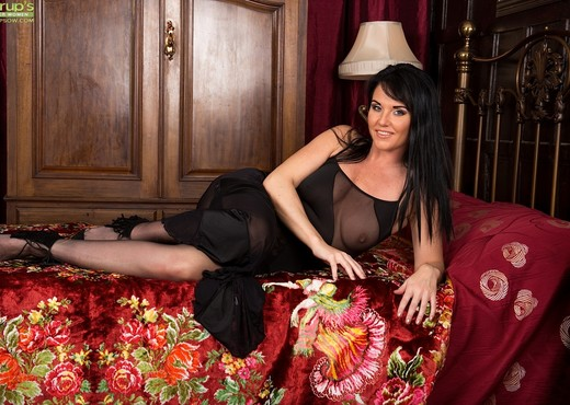 Danielle Leah Raven - Karup's Older Women - MILF Sexy Gallery