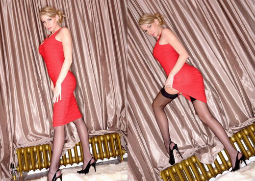 Danielle Maye - Dame En Rouge! - More Than Nylons - Solo Picture Gallery