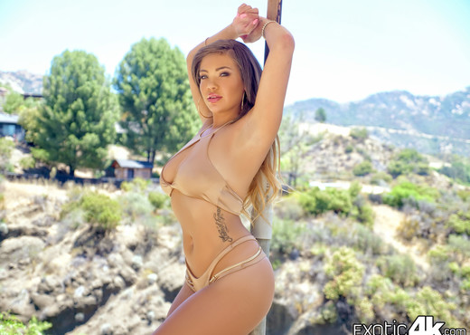 Cassidy Banks - Oiled Exotic Beauty - Exotic4k - Hardcore Picture Gallery