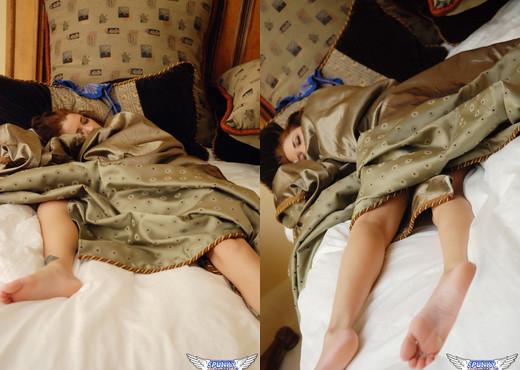 Jeska Vardinski - Passed Out - SpunkyAngels - Solo Picture Gallery