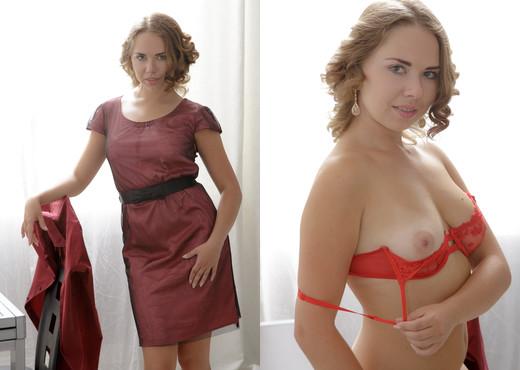 Diana Dali enjoys a threesome fucking and sucking - Hardcore Sexy Gallery