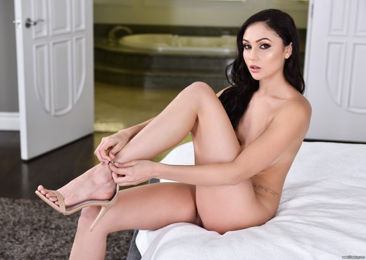 Ariana Marie - Feet And Fuck - 21Sextury - Hardcore HD Gallery