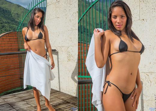 Roxy Romero - Perky Tits - Nubiles - Teen Nude Gallery
