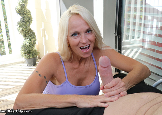 Cum on Yoga Pants: Dani Dare - Cum Blast City - Hardcore Nude Gallery