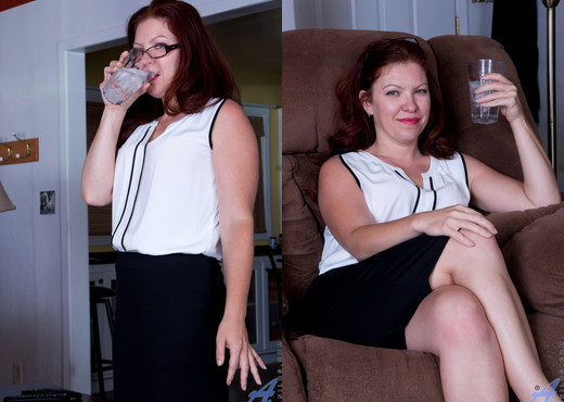 Kimberlee Cline - Game Changer - Anilos - MILF Picture Gallery