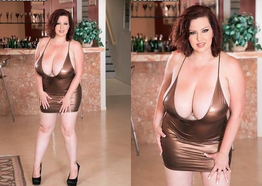 Paige Turner - Big Boob Bar Bang - ScoreLand - Boobs Sexy Photo Gallery