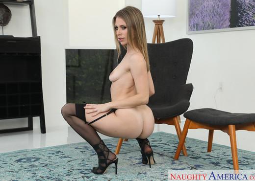 Anya Olsen - Housewife 1 on 1 - Hardcore Nude Gallery