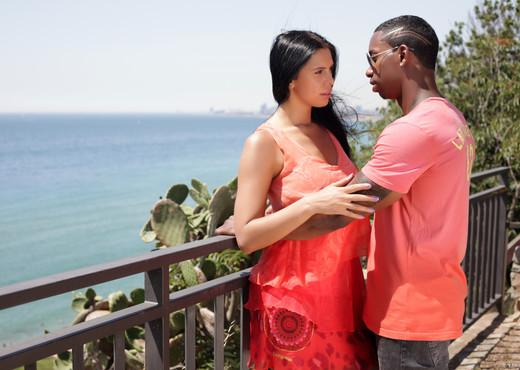 Kira Queen - My first interracial exclusive  scene! - Interracial Image Gallery