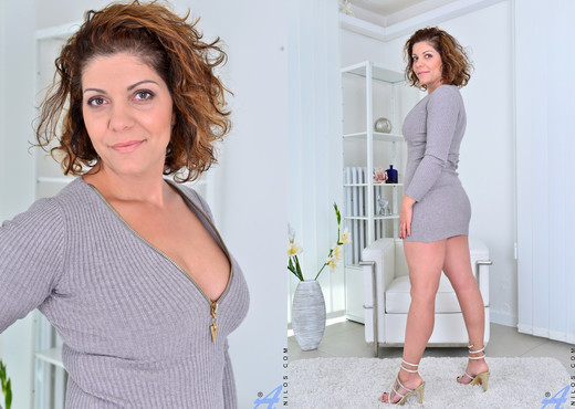 New Comer Nicol - Anilos - MILF Sexy Photo Gallery