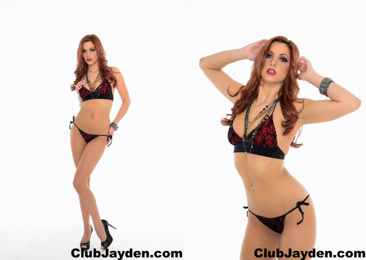 Jayden Cole teases in a bikini - Solo Image Gallery