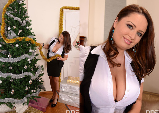 Viola, Sirale - Finishing School Santa - Boobs Nude Pics