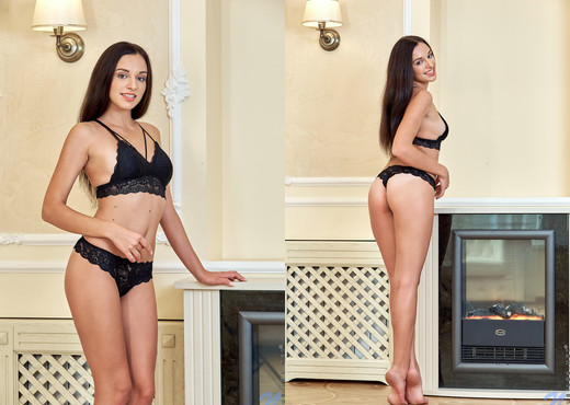 Olivia Sweet - Brunette Babe - Nubiles - Teen Picture Gallery
