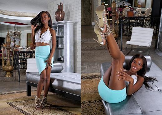 Jezabel Vessir - InTheCrack - Ebony Nude Pics