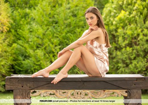 Still Wet - Gloria Sol - Femjoy - Solo Nude Pics
