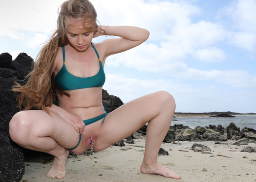 Beach Pee - Angel B - Watch4Beauty - Solo Sexy Gallery