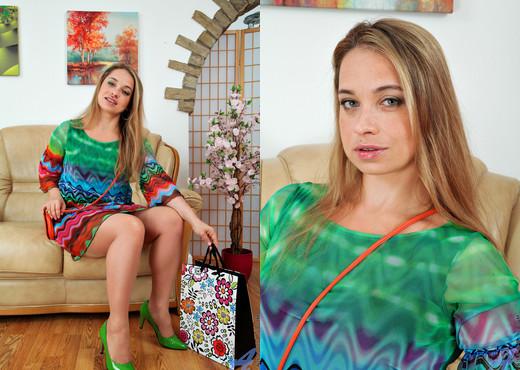 Olga Cabaeva - Eat Me - Anilos - MILF Porn Gallery