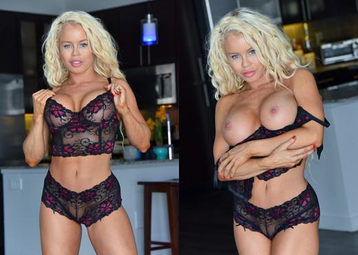 Nikki - Sultry Black Lingerie - FTV Milfs - MILF HD Gallery