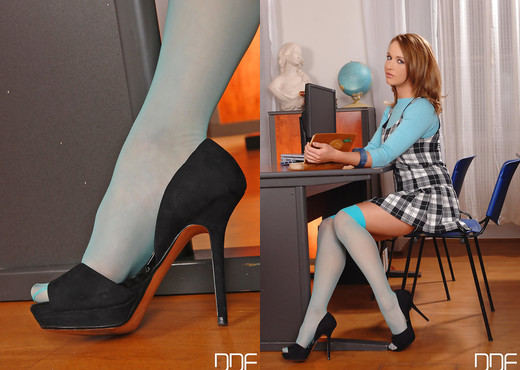Private Tutoring Session Turns Into Schoolgirl Foot Fuck! - Feet Nude Pics