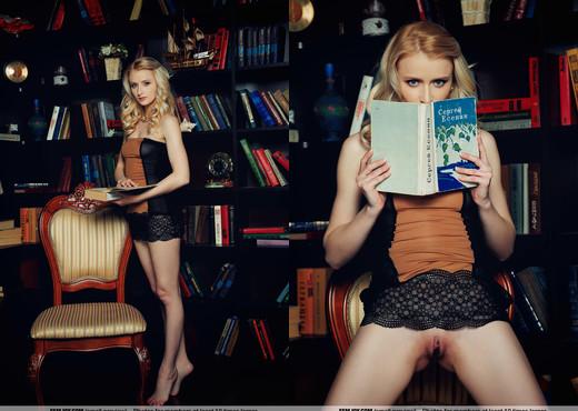 Read Me - Adelia B. - Femjoy - Solo TGP